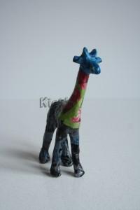 In het tasje van Dots & Flowers zat deze giraffe, 3 kleine decopatch vellen, potje lijm en een kwastje
